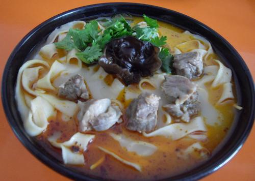 <b>河南省餐饮协会:希望烩面有规范不主张有标准</b>