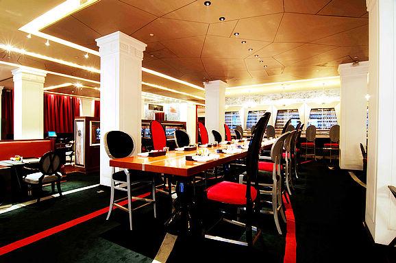 首届亚洲50最佳餐厅PaulPairet荣获榜首