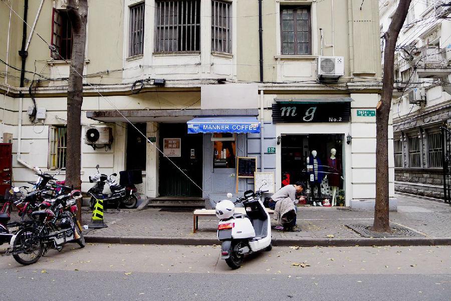 面积2平米、均价十几元,这家咖啡店葫芦里卖的是什么豆