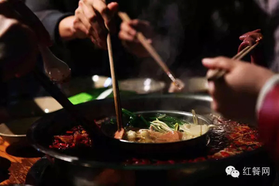2016年的中国餐饮行业将遭遇四面楚歌
