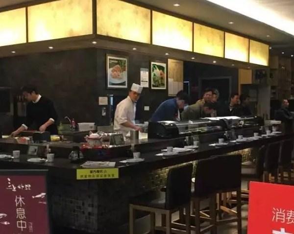 银泰西湖文化广场店出命案三上日料店厨师被刺死