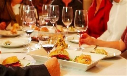 年末聚餐:如何在觥筹交错之间引爆多人数订单?