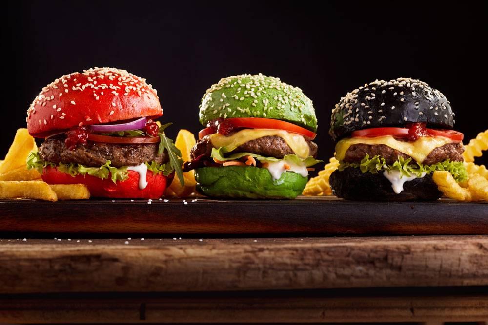 """为迎合消费者""""相机食先""""的消费趋势,麦当劳推出视觉系汉堡"""