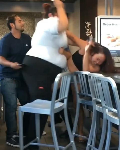 因免费续杯苏打水,女顾客被麦当劳强壮的员工暴打