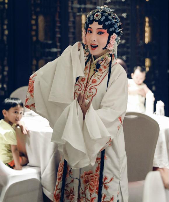 """靠吟诗作赋、私人订制的""""中国服务"""",俏江南还能被救活吗?"""