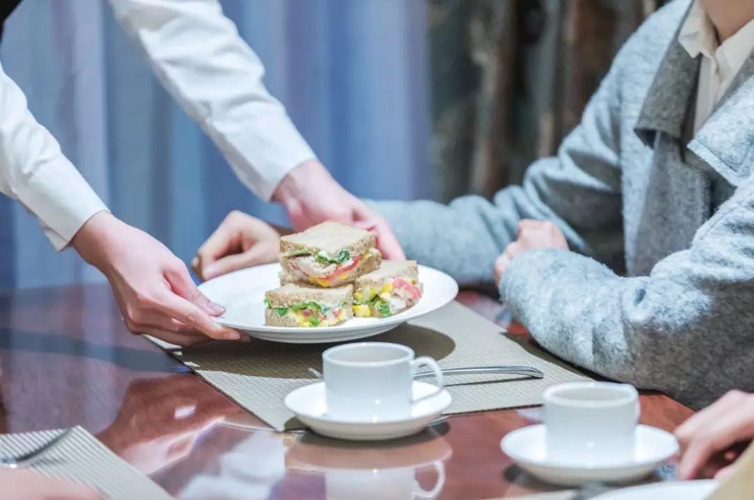 招聘服务员时少了一个步骤,餐馆老板被罚5000元……