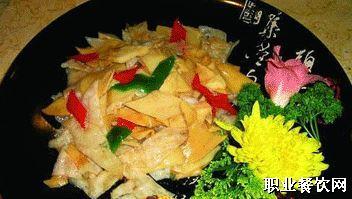 香菌拌鱼片  九九红酒店特色凉菜