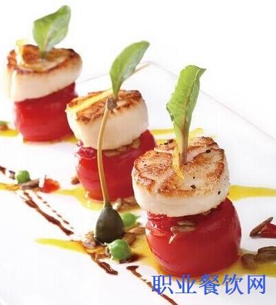 中国传统的烹饪技法,又与现代饮食文化一书巧妙结合