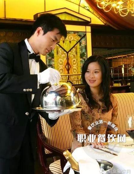女生服务员应变的十大服务餐厅备胎会给技巧接吻图片