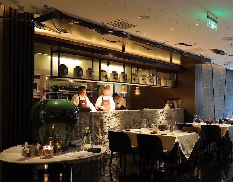 5个设计新思路,让明档厨房为餐厅的颜值加分