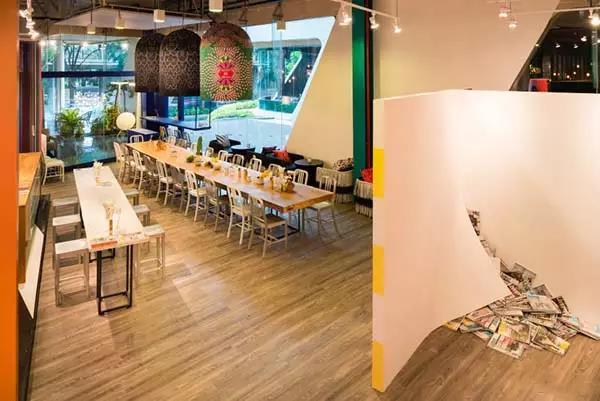 你见过这么多彩的咖啡厅吗