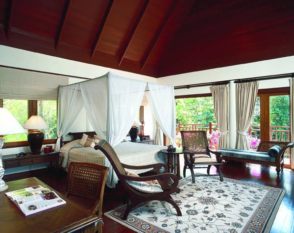 苏梅岛班达灵岩洲际酒店由即日起呈献开业优惠,每晚房价仅由6,500泰铢起+++,入住海景客房,推广期直至2012年7月15日。   苏梅岛距离曼谷机程约为一小时,设内陆直航服务连接布吉岛和芭堤雅,以及国际直航服务连接多个亚洲主要城市,包括香港、新加坡及即将开通服务的吉隆坡。 洲际酒店集团
